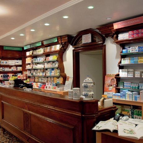 Late Night Pharmacies in Venice